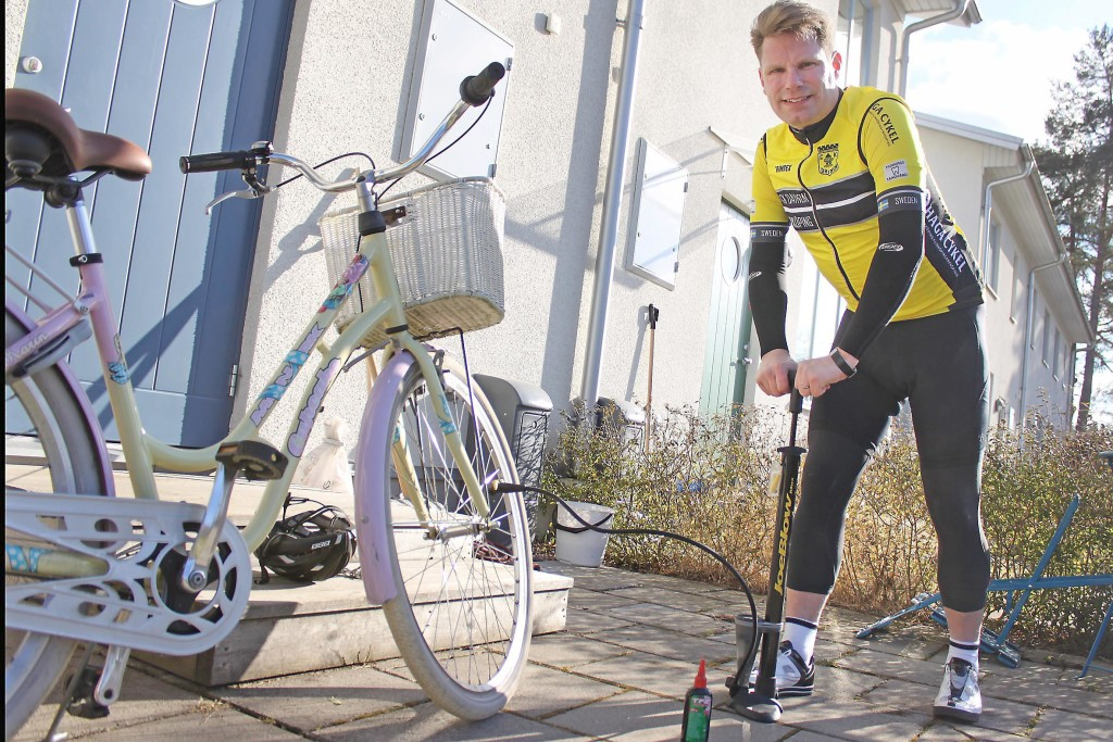 full på cykel