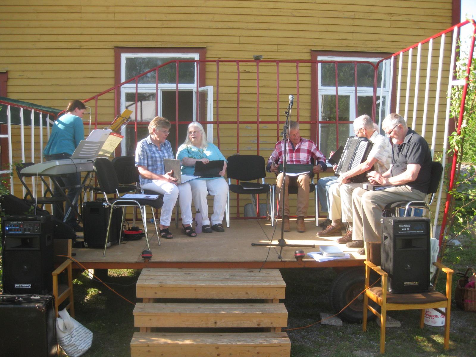 Mitt Västmanland - Allsång i Ransta stationspark