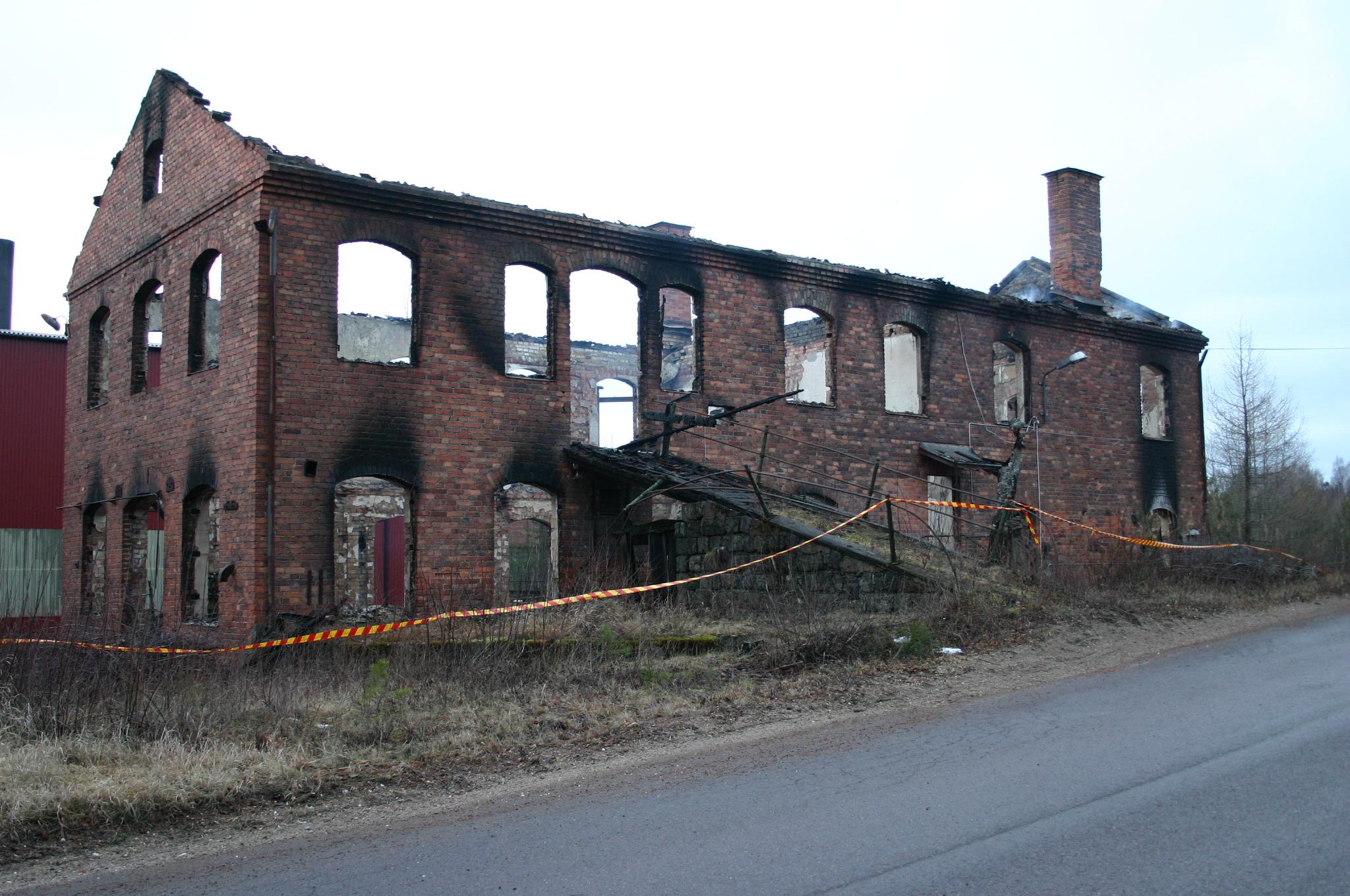Mitt Västmanland - Industribyggnad i Spännarhyttan brann