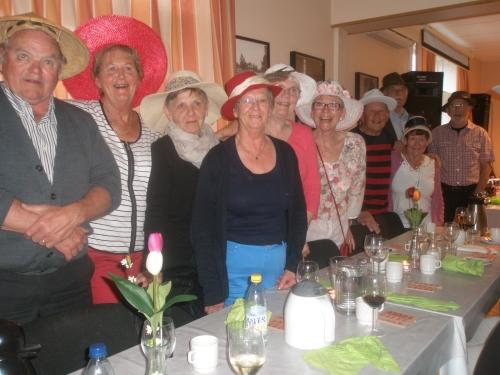 """Mitt Västmanland - Vackra damer som var """"glada i hatten"""""""